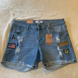 New patch detailed shorts